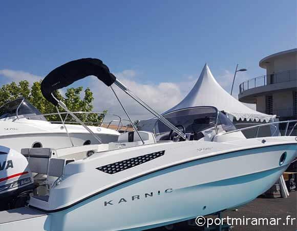 Un bateau type open hors bord by karnic